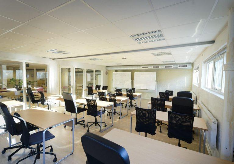 Ledig - på Cliniclands AB flyttar in på Hansagatan